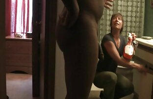 Rossa Aria Bella porn completi con le gambe lunghe aperte anale e masturbazione cespugli
